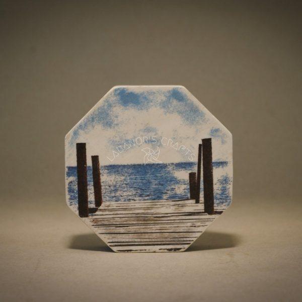 Aštuonkampis medinis dvipusis pastatomas paveiksliukasLaikas
