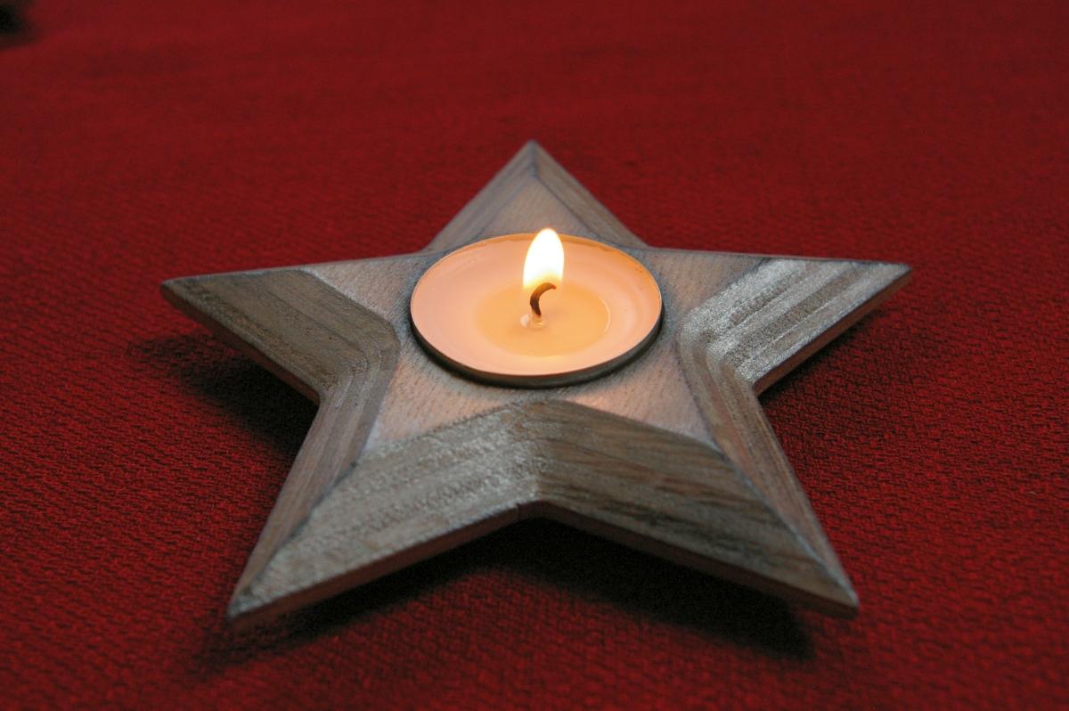 Medinė kalėdinė žvakidė Žvaigždė