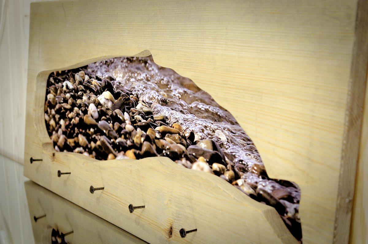 Kabykla ant sienos - fotopaveikslas Banginio sapnas