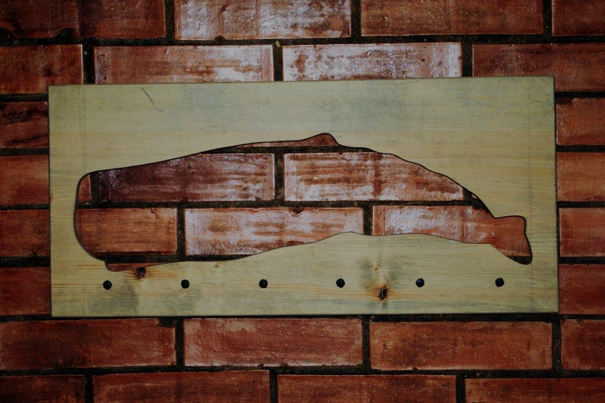 Sieninė drabužių kabykla Banginis II