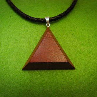 Neck accessory with wooden medallion – triangle Padouk