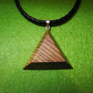 Medinis kaklo papuošalas Trikampis Zebrano