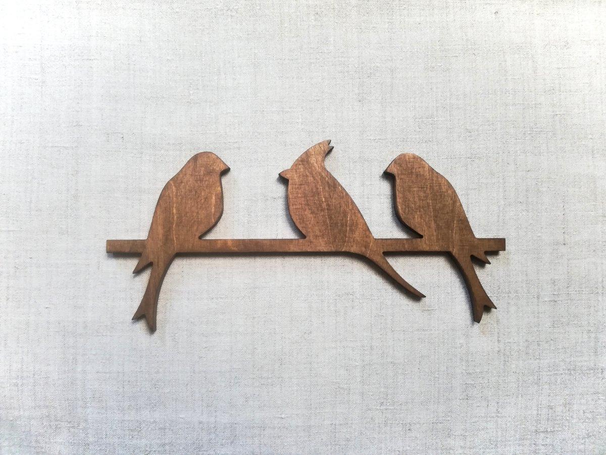 Medinė sienos dekoracija 3 paukščiai, vaškuota