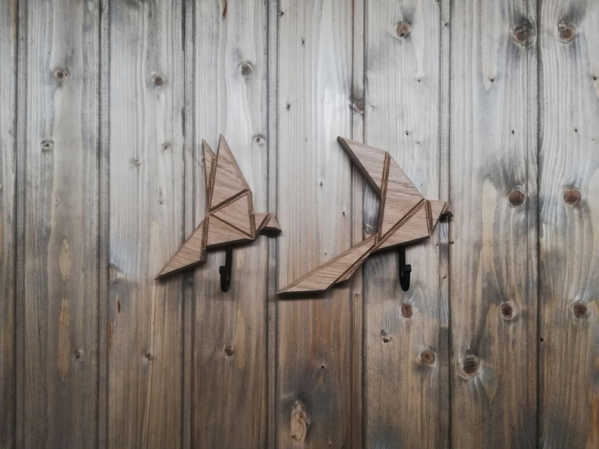 Medinis rūbų kabliukas Origami paukštis