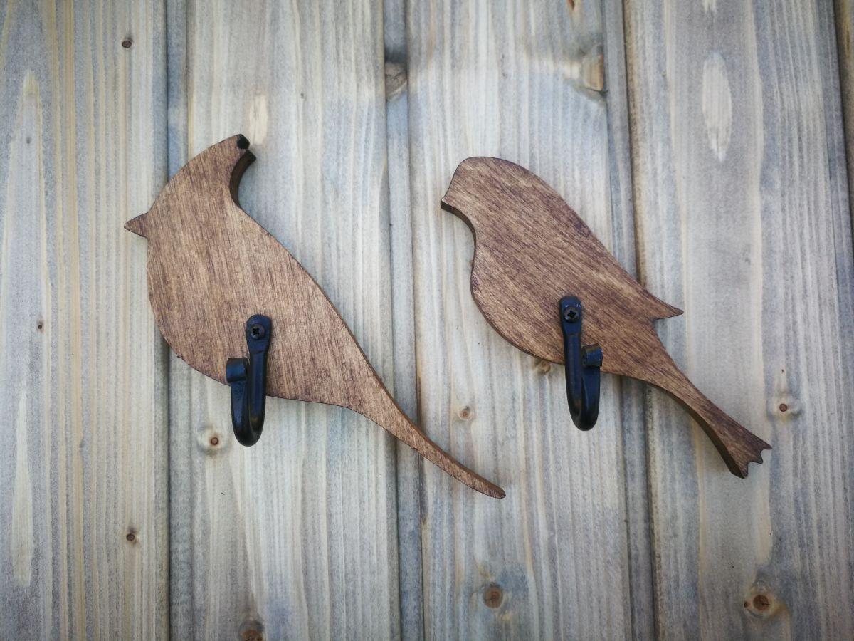 Medinė sieninė rūbų kabykla Paukštelis