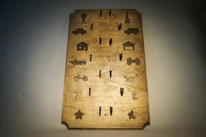 Didelė medinė raktų kabykla Pasaulis
