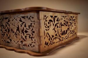 Dekoratyvi ažūrinė medinė dėžutė